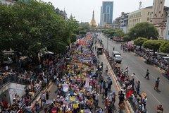 Thêm một người tham gia biểu tình ở Myanmar thiệt mạng