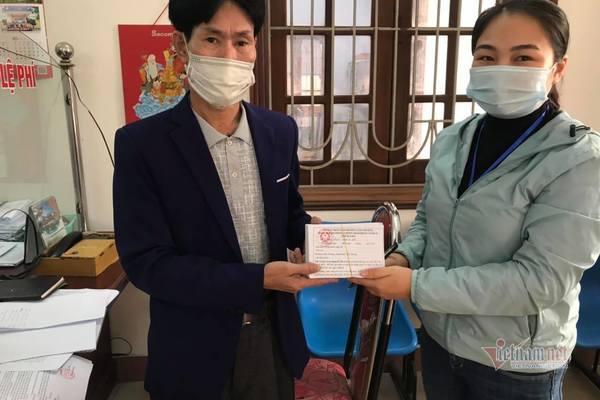 Sau Chí Linh, TP Hải Dương phát phiếu cho người dân đi chợ
