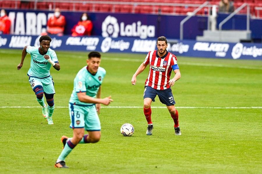 Atletico ngã đau, La Liga bỗng dưng hấp dẫn