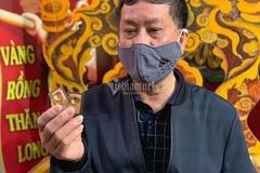 Người đàn ông 10 năm liền xếp hàng từ 3h sáng mua vàng ngày vía Thần Tài
