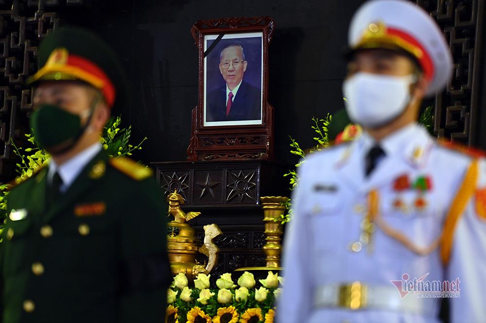 Thủ tướng Nguyễn Xuân Phúc cùng lãnh đạo Đảng, Nhà nước viếng ông Trương Vĩnh Trọng