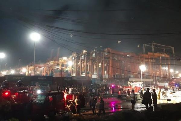 Lửa thiêu rụi 300 căn hộ ở thủ đô Philippines