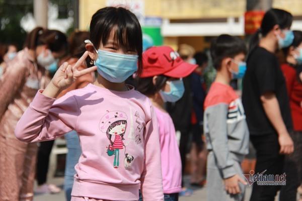 90 bệnh nhân Covid-19 tại tâm dịch Chí Linh khỏi bệnh, xuất viện