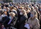 Vì sao nhiều nước châu Âu đổ xô mua vắc-xin Covid-19 của Trung Quốc và Nga?