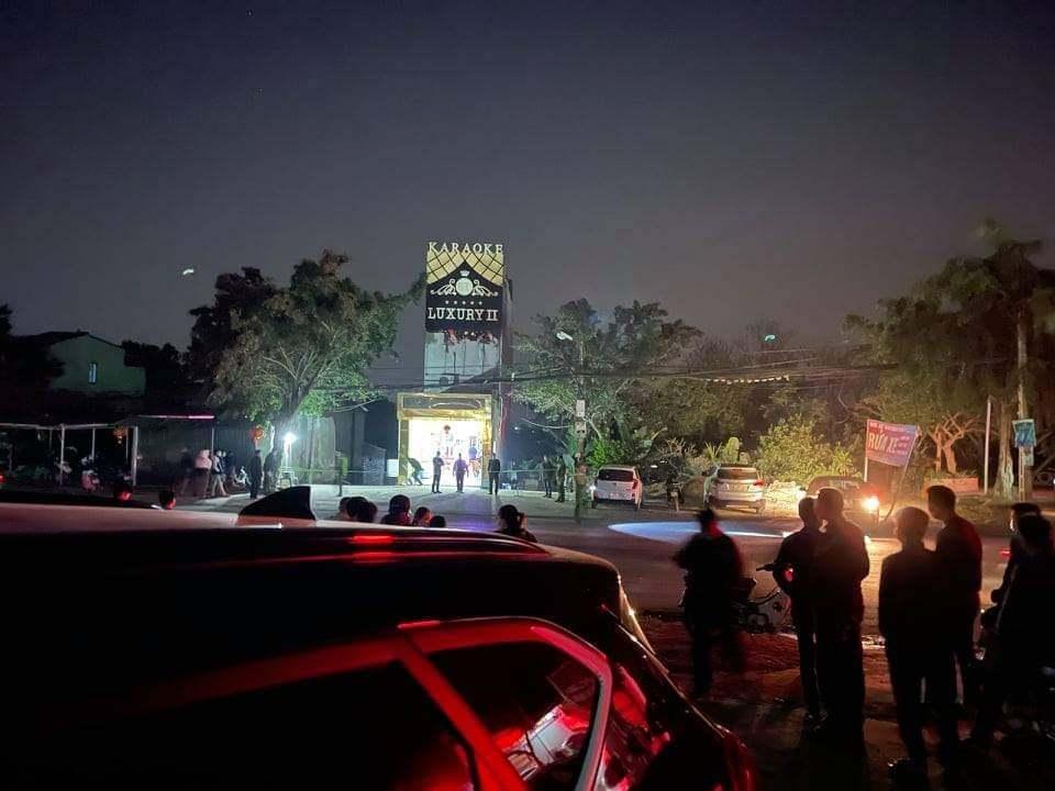 Xô xát trong quán karaoke, 3 người chết ở Hoà Bình