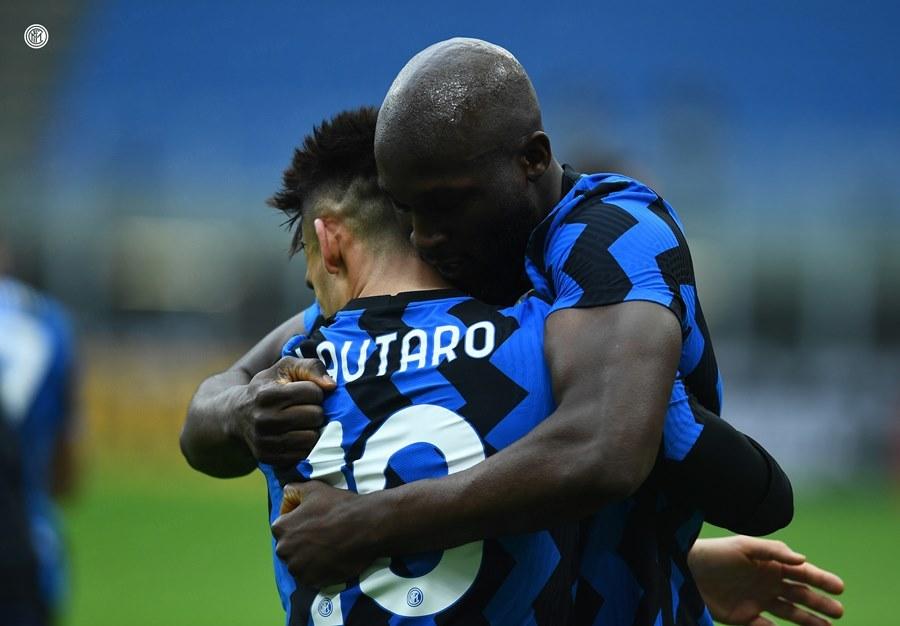 'Song sát' Martinez - Lukaku giúp Inter nhấn chìm Milan