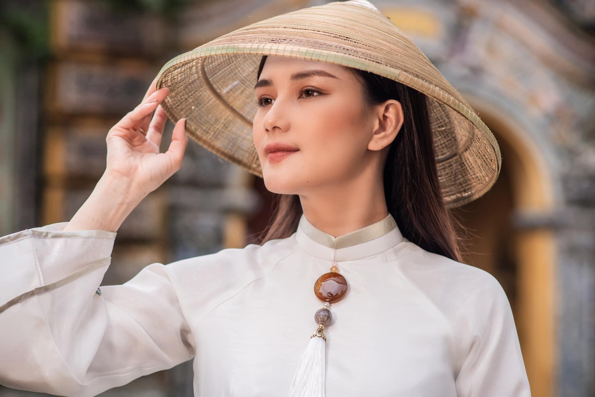 MC Huyền Châu VTV  chia sẻ sống hạnh phúc có ý nghĩa