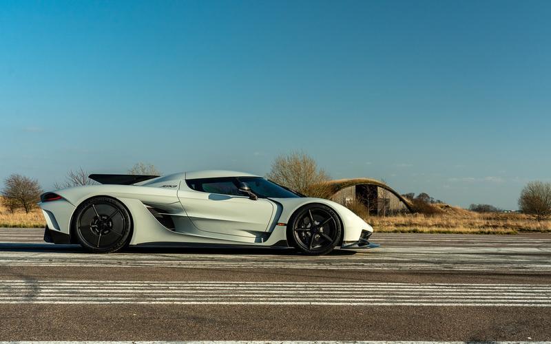 Những siêu xe mạnh nhất của các hãng xe thể thao