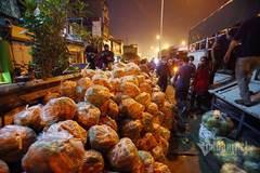Cuộc giải cứu xuyên đêm: Một dòng tin nhắn, nghìn người chung tay