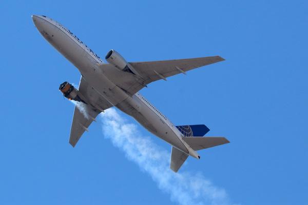 Boeing ngừng hoạt động dòng máy bay 777 sau sự cố cháy động cơ