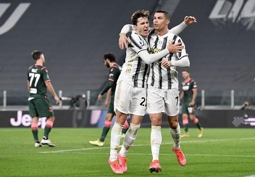 Ronaldo chói sáng, Juventus thắng rửa mặt