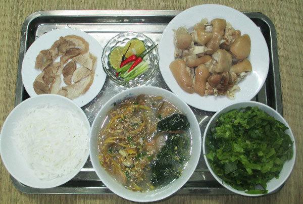 Thai Binh's bun bung hoa chuoi a hit far and wide