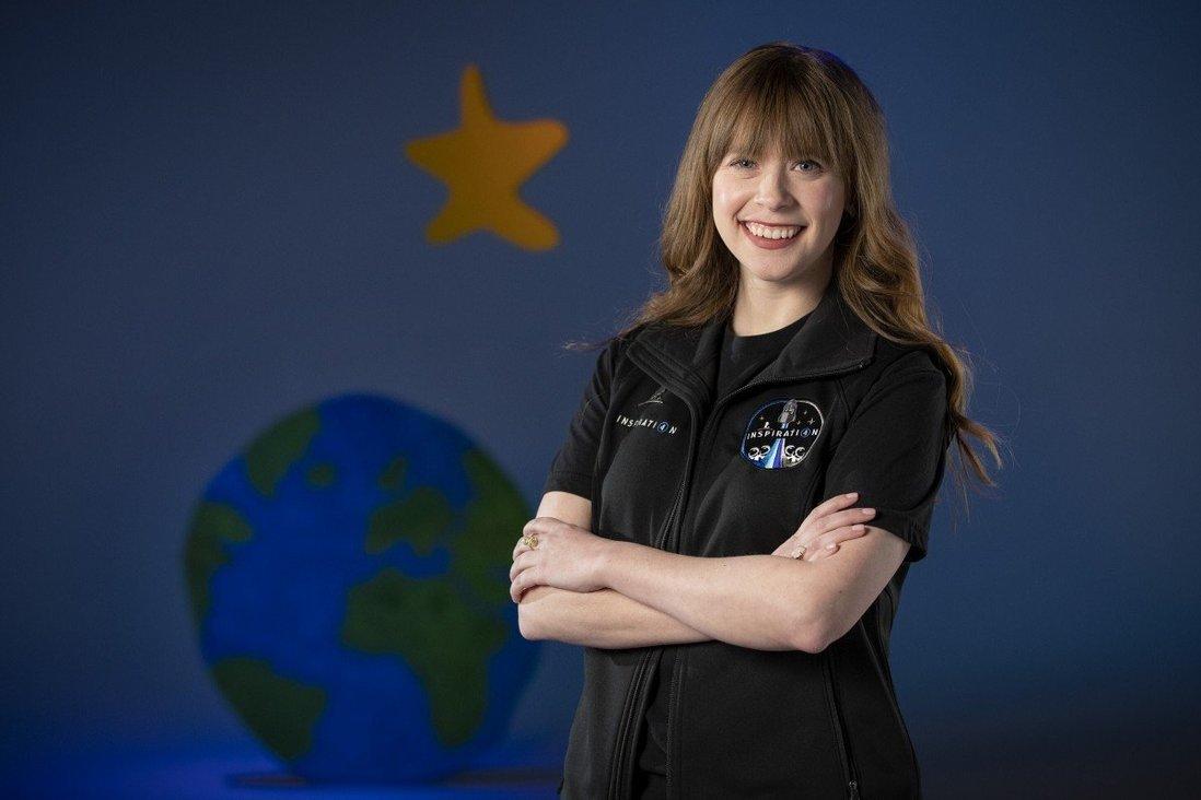 Cô gái đánh bại ung thư sắp bay vào vũ trụ cùng tỷ phú