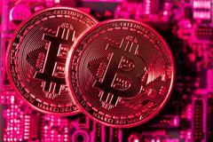 Mỹ cảnh báo nguy cơ, bitcoin lập tức tụt dốc, mất giá 200 triệu