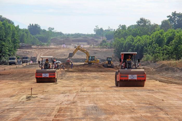 Chốt thời gian Bộ GTVT phải hoàn thành 2 dự án cao tốc Bắc - Nam
