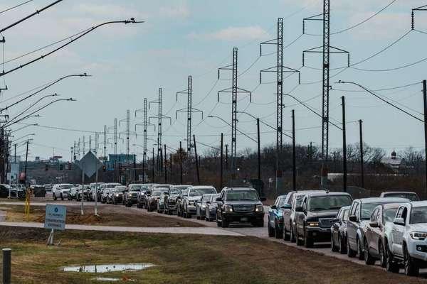 Hàng loạt lãnh đạo điện lực ở Texas từ chức sau thảm họa bão tuyết