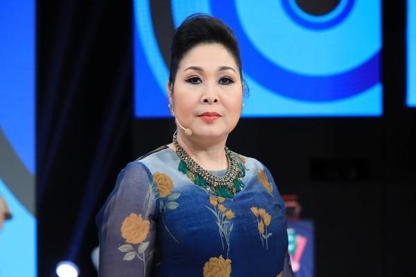 NSND Hồng Vân phản hồi thông tin đóng sân khấu Phú Nhuận vĩnh viễn