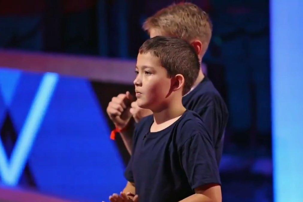 Cậu bé gốc Việt 11 tuổi là ứng viên giải robot chiến đấu trên truyền hình Mỹ