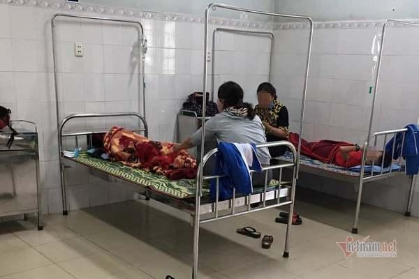 18 học sinh Quảng Trị nhập viện sau bữa ăn ở trường