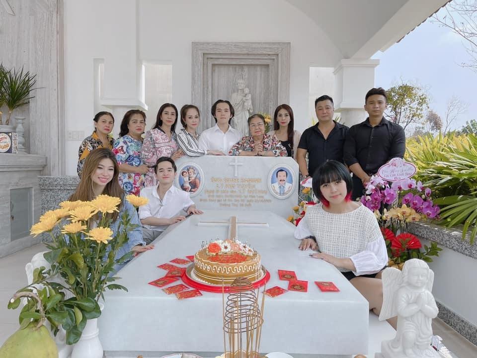 1 Sao Việt hôm nay 25/2: Phút bình yên của Chí Trung và bạn gái ở quê
