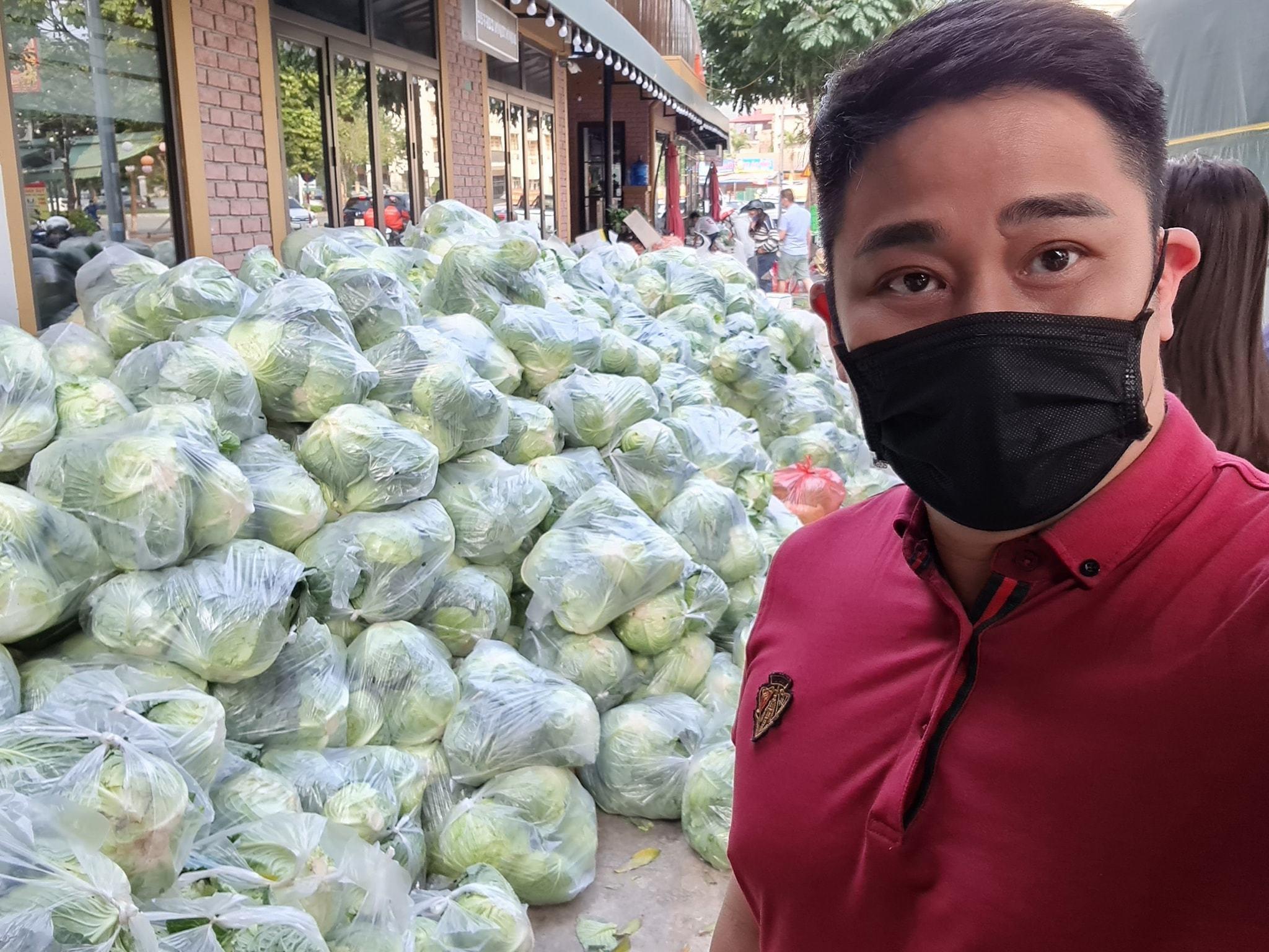 phut binh yen cua chi trung va ban gai kem 17 tuoi o que 5 Sao Việt hôm nay 25/2: Phút bình yên của Chí Trung và bạn gái ở quê