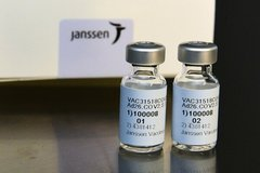 Mỹ và nhiều nước hợp tác phân phối vắc-xin, thế giới 91,3 triệu ca khỏi Covid-19
