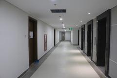 Phong thủy cần biết khi cửa chính chung cư đối diện thang máy