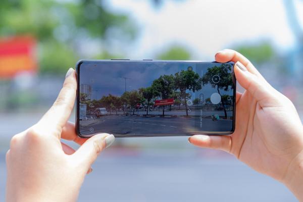 Hình ảnh Sài thành sau Tết qua ống kính Galaxy S21 Ultra