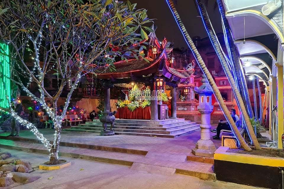Cầu an online, chùa Phúc Khánh tạo nên cảnh hiếm thấy