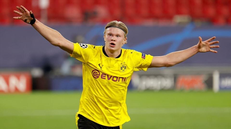 Dortmund ra giá bán Haaland hè này, MU khóc thét