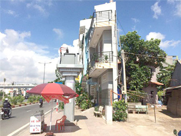 HCM City vows to get rid ofoddly shapedtiny houses