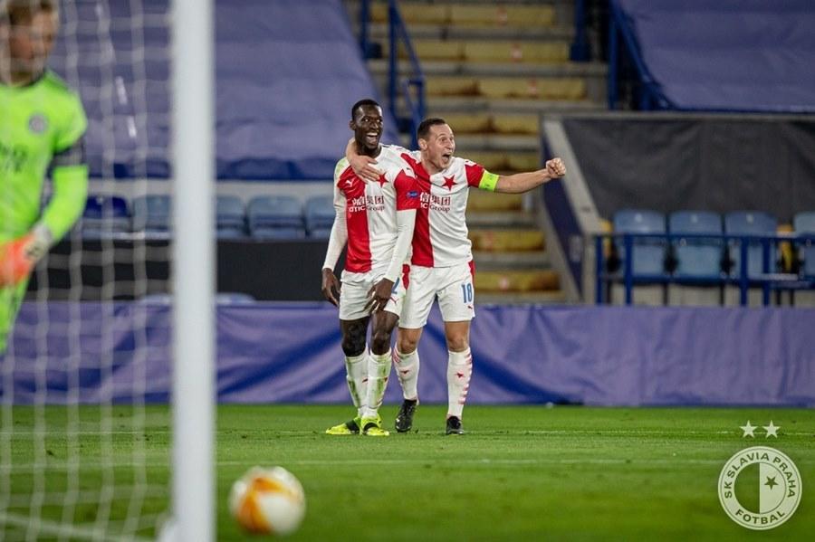Leicester bị loại khỏi Europa League đầy cay đắng