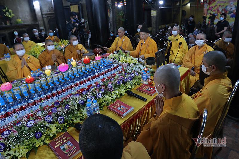 Hình ảnh chưa từng có ở chùa Phúc Khánh trong lễ cầu an trực tuyến đầu tiên