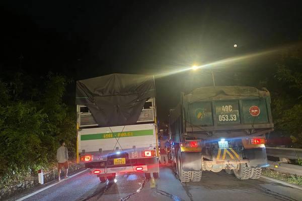 Tông xe liên hoàn trên đèo Bảo Lộc, hàng loạt ô tô hư hỏng