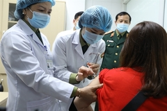 74 volunteers receive made-in-Vietnam COVID-19 vaccine in human trial's Phase II