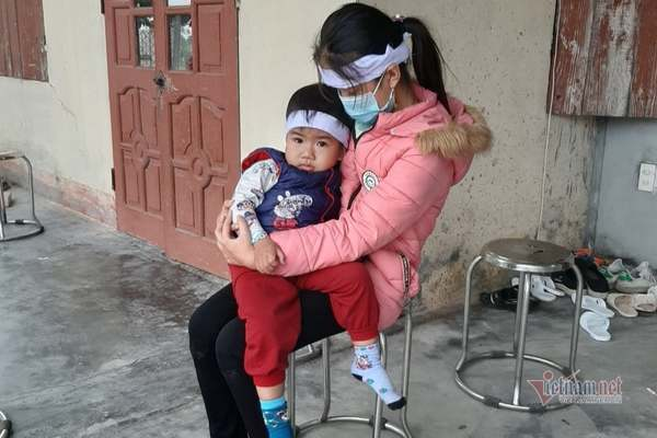 Nữ y tá nghèo tử nạn khi đi chống dịch: Con thơ khóc xé lòng chờ mẹ