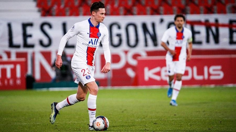 Mbappe lập cú đúp, PSG bám sát đội đầu bảng