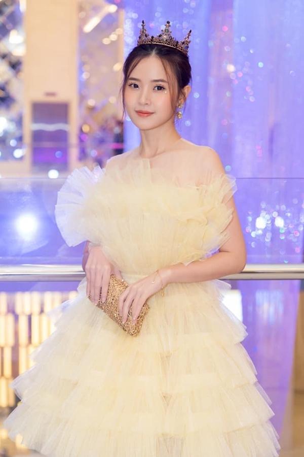 Ngọc Trinh, Chi Pu và dàn sao Việt 'đụng hàng' đầu năm 2021