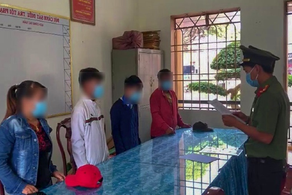 Làm giả, phát tán văn bản giả mạo, 3 người ở Lâm Đồng bị xử phạt