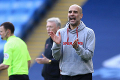 Pep Guardiola lập kỳ tích thế kỷ, bỏ xa Mourinho