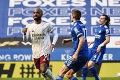 Arsenal ngược dòng ấn tượng đánh gục Leicester