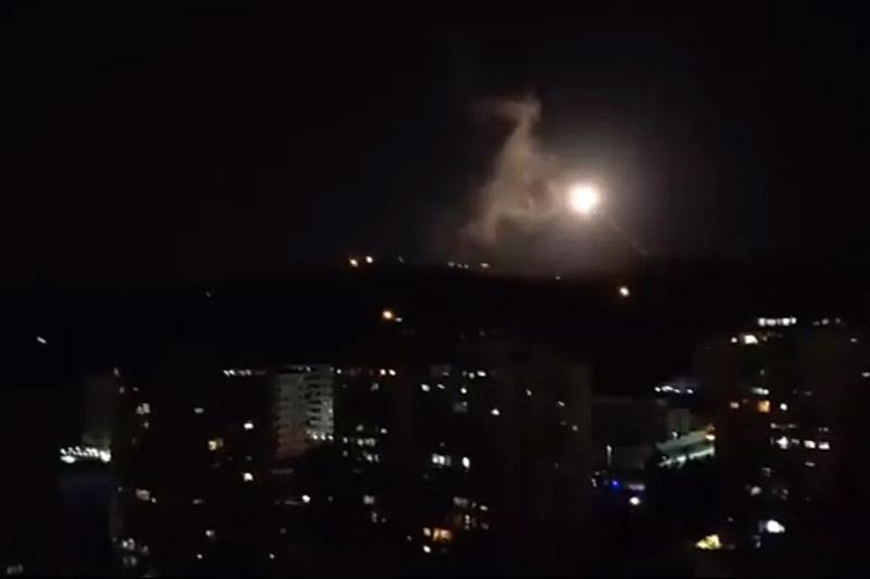 Video phòng không Syria chặn 'mưa tên lửa' từ Israel
