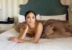 Quả cầu vàng 2021: Loạt mỹ nhân tạo dáng trong phòng ngủ