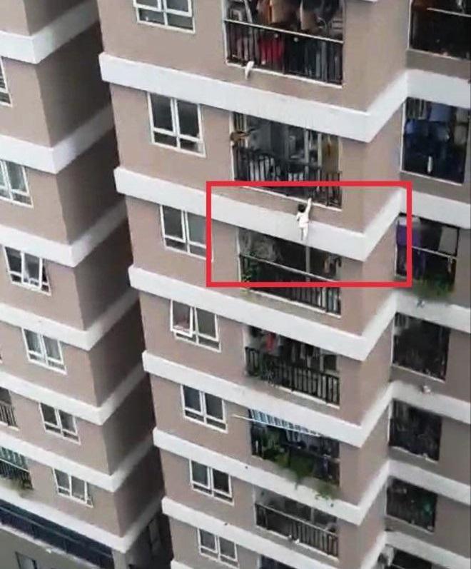 Vụ bé rơi từ tầng 12A: Ở chung cư cần lưu ý điều này để con trẻ an toàn