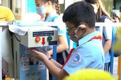 Trường học TP.HCM dạy bù kiến thức trong ngày đầu học trò trở lại