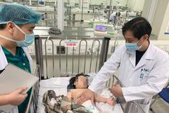Sức khỏe bé gái rơi từ tầng 12A chung cư ở Hà Nội