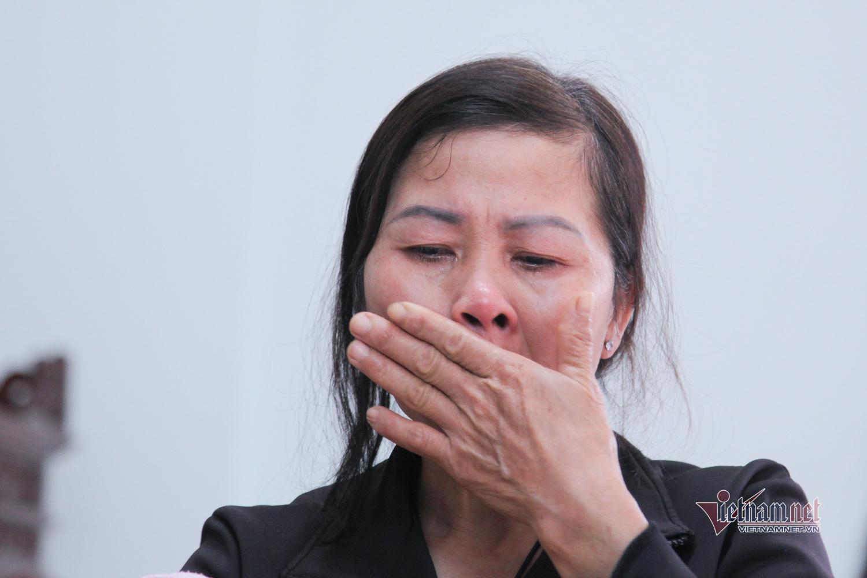 Mẹ người hùng cứu bé rơi từ tầng 12A: Mạnh làm theo tiếng gọi của tình phụ tử