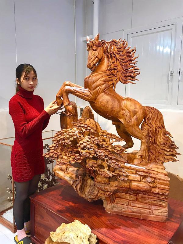 Tượng gỗ Trung Kiên - tỉ mỉ trong từng chi tiết