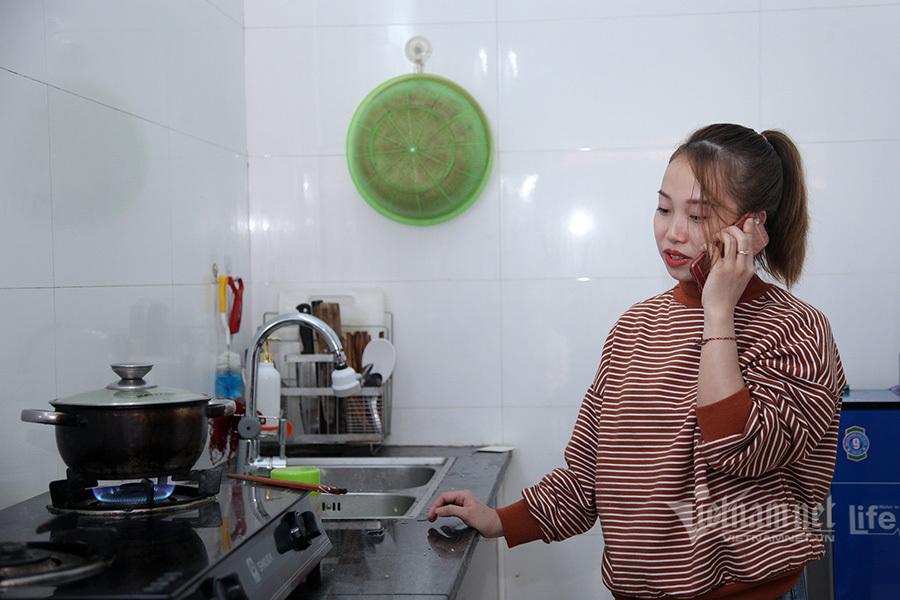 Vợ anh Nguyễn Ngọc Mạnh: 'Có 30 nghìn ăn trưa, anh ấy còn cho người ta 20 nghìn'