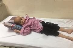 Lời kêu cứu đau đớn của cháu bé 3 tuổi mắc ung thư não